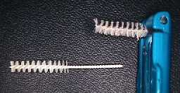interproximal toothbrush.Image taken from http://www.odontocat.com/angles/prevplacaang.htm