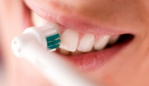 How To Use An Electric Toothbrush To Brush Teeth