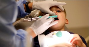 dentist 533 300x161 How Will Your Dentist Communicates With Your Child Without Any Problems?